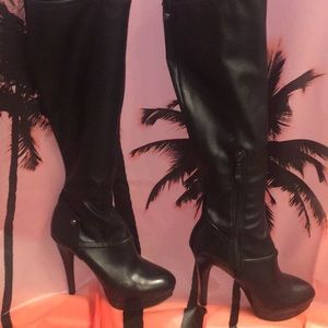 💕Womens GUESS Leather High Heel Boots💕